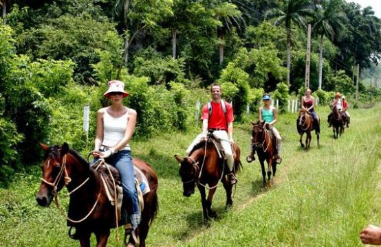 Horse riding in the Viñales valley